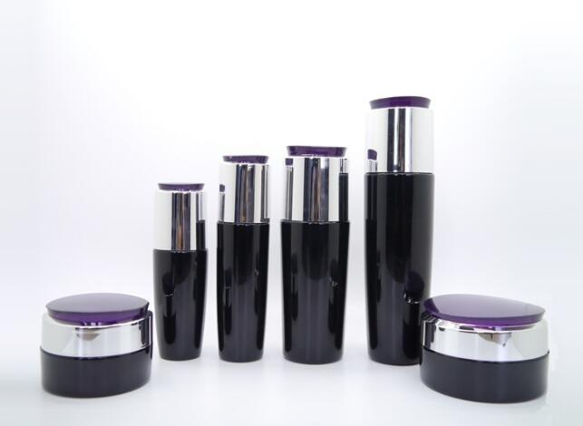 Glass Cosmetic Bottle Manufacturer